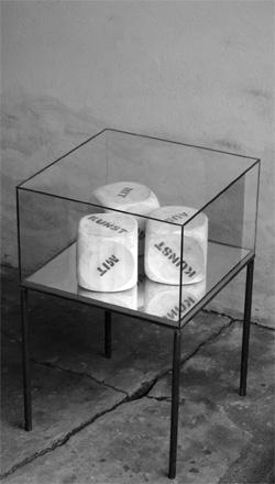 Würfelspiel AUS : MIT : (KUNST) - 2005